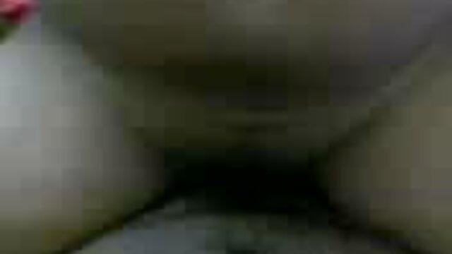 அழகான ரஷ்ய அமெச்சூர் டீன் ஆங்கிலம் மாமியின் கவர்ச்சி முழு hd ஃபக்கிங்