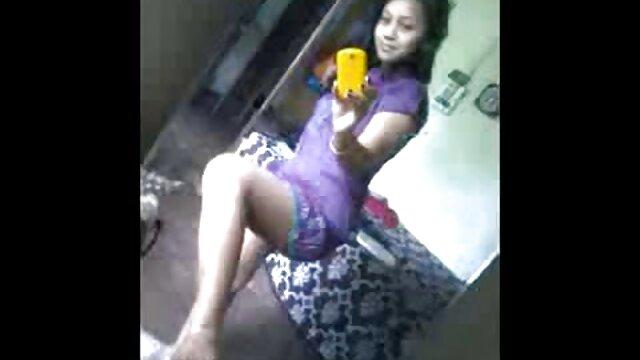 பொன்னிற 3 தமிழ் செக்ஸ் படம் ஆங்கிலம் sex படம் டி அனிம் குழந்தை பிளவு விளையாடுகிறது