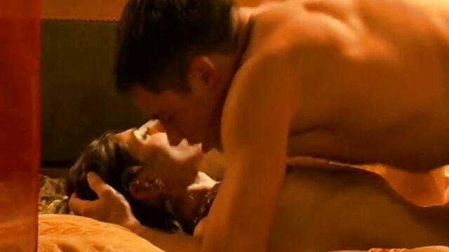 கணவன் வேலையில் இருக்கும்போது ஒரு நிமிடம் ஆங்கிலம் sex வரும் கூட இழக்காமல்