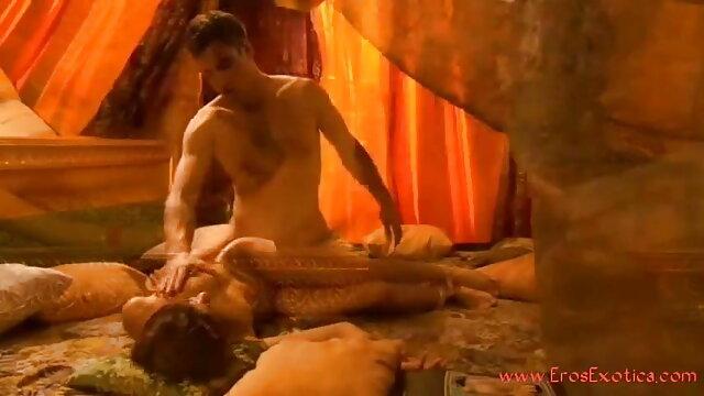 ரோமி ஆங்கிலம் HD, கவர்ச்சி மழை புஸ்டி வாம்பயர்