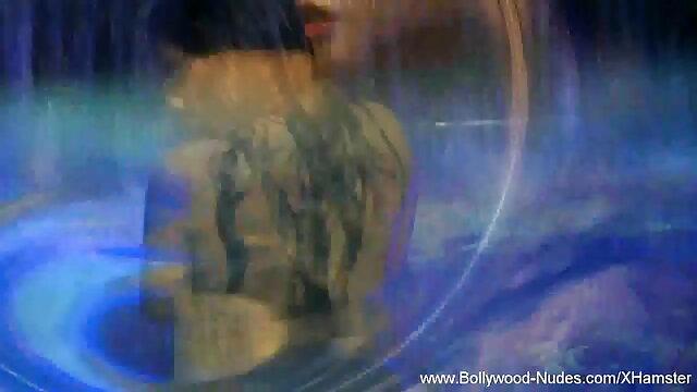 டேனியல்ஸ் நீல, கவர்ச்சி தமிழ் படம் செய்யும் நேரம்