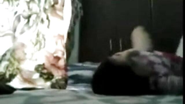 கர்வி நேச்சுரல் ஆங்கிலம் sex நீல படம் டைட்ஸ் அமெச்சூர் அம்மா ஃபக்ஸ்