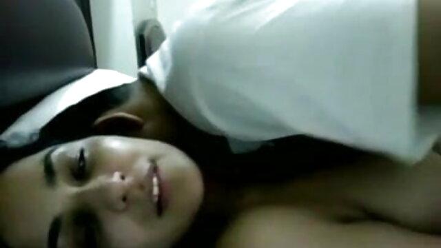 சிண்டி லாங் ஒரு பெரிய டிக் ஆங்கிலம் sex xxx மூலம் வேலை செய்கிறார்