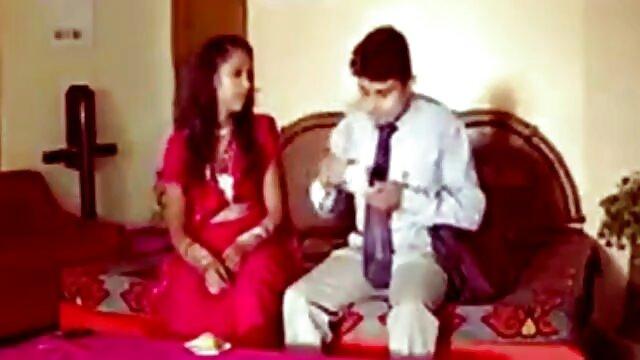 மனைவி காளைகளையும் கணவரின் www xnxx com குறிச்சொற்கள் ஆங்கிலம் சேவலையும் ஒப்பிடுகிறார்