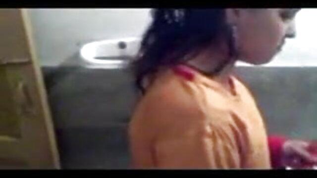 காதல் - ரெமி பெல்லி ஆங்கிலம் xxx bp