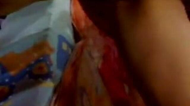 - ஆங்கிலம் அம்மா மகன் செக்ஸ் லோலா ரீவ் இரட்டை ஊடுருவலைக் கொண்டுள்ளது