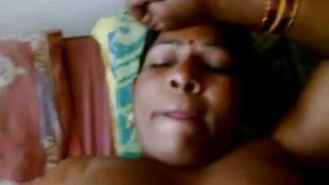 அதிசய பெண் ஆங்கில ஆசிரியர் செக்ஸ் அட்ரியானா செச்சிக் உடன் ஹாலோவீன் 4 ஃபக் மற்றும் க்ரீம்பி