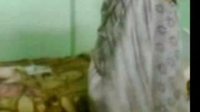 ஏஞ்சலா வெள்ளை கார்லி சாம்பல் மாமியின் படம் தமிழ், கவர்ச்சி ஆழமான தொண்டை ஹூ