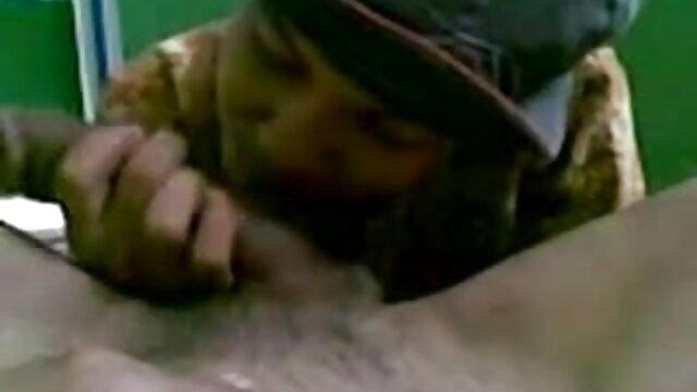 சூடான படி அம்மா ஆங்கிலம் sex வரும் ஆலுரா ஜென்சன் என்னுடன் விளையாடுகிறார்
