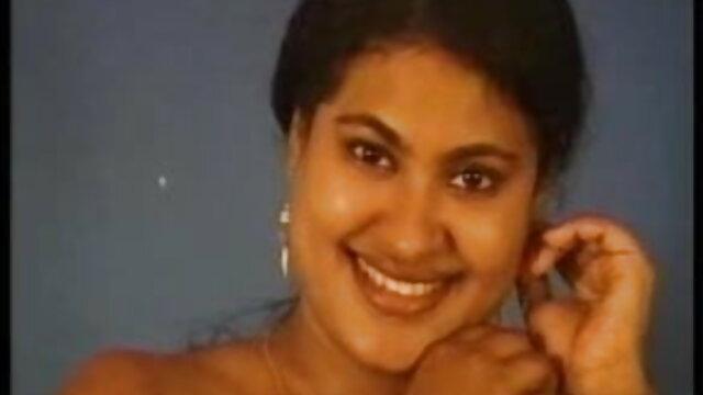 தாத்தா புண்டை புண்டை அவள் திறந்த முகங்களை கம்ஷாட் ஆங்கிலம் adult sex வாய் எடுக்கிறாள்