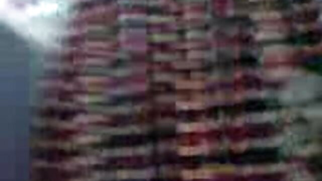 இரண்டு துளைகளுக்கும் கவர்ச்சி படம் தமிழ், கவர்ச்சி படம் ஒரு கிரீமி புணர்ச்சி இருப்பதை அவள் நிரப்புகிறாள்