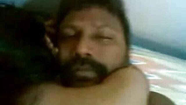 பஸ்டி மிலா அசுல் தனது பெரிய புண்டைகளைக் காட்டி ஒரு உள்ளாடைக் கடையில் ஆங்கிலம் sex முழு செக்ஸ் சுயஇன்பம் செய்கிறார்