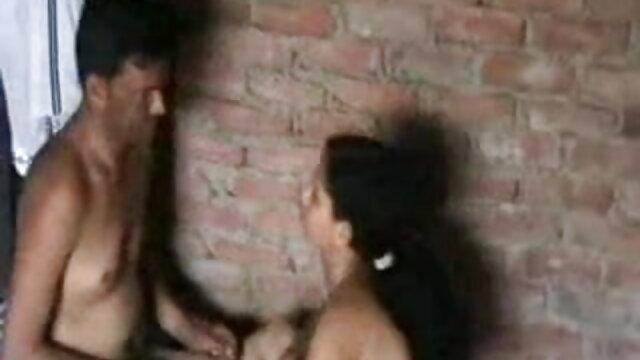 கிங்ஸ் ரியாலிட்டி - புஸ்ஸி மற்றும் ஆஸ் நக்கி லெஸ்பியன் 3 சிலர் bp, கவர்ச்சி ஆங்கிலம் - விக்சன் டெய்லர்