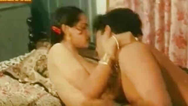 பங்களாதேஷ் பெண் 10 கவர்ச்சி மாமியின் படம் தமிழ்