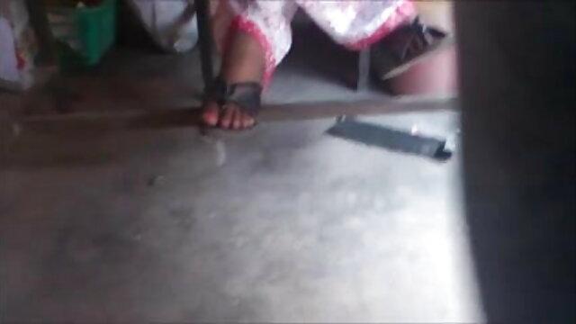 வேடிக்கையாக இருக்கும்போது ரெய்ன் ரைஸ்லிங் மற்றும் நினா எல்லே ஹேர்கட் ஆங்கிலம் sex நிர்வாண
