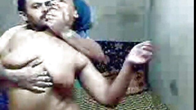 என் நண்பர்களிடம் அவர்கள் கறுப்பினத்தவர் என்று சொல்ல தமிழ் இந்தி கவர்ச்சி படம் வேண்டாம்