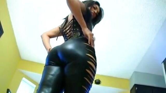 மியா மல்கோவா ஒரு நல்ல பெண் கெட்டவள் ஆங்கிலம் sex bp படம்