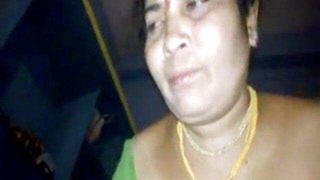 மகள்கள் பிரிட்டிஷ் முதிர்ந்த அழுகும்