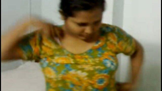 ஏரியில் தமிழ் xnxx திடீர் செக்ஸ் அழகான பெண்