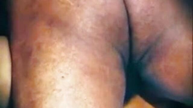 தோல் வைர ஆங்கிலம் sexx நடனம்