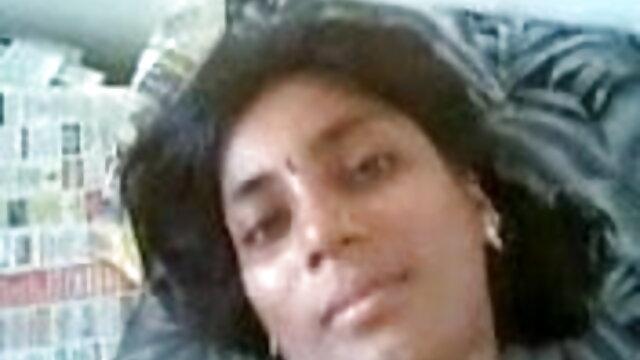 அழகி தனது கழுதை நெரிசலானது ww கவர்ச்சி ஆங்கிலம் மற்றும் வளர்ச்சியடைகிறது