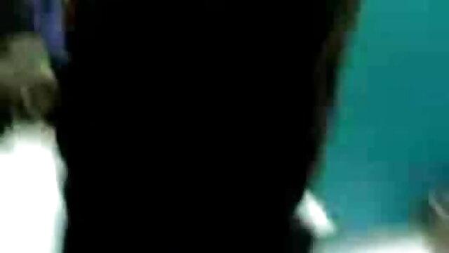 4 கே ஸ்டாக்கிங்ஸில் சூடான ஆங்கிலம் நீல, கவர்ச்சி டீன் உடன் அனல் ஃபக் மற்றும் ஸ்கர்ட்
