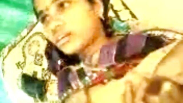 - முதல் படி மாமா தனது ஆங்கிலம் hd நீல படம் ஆண்குறியை சொறிந்து