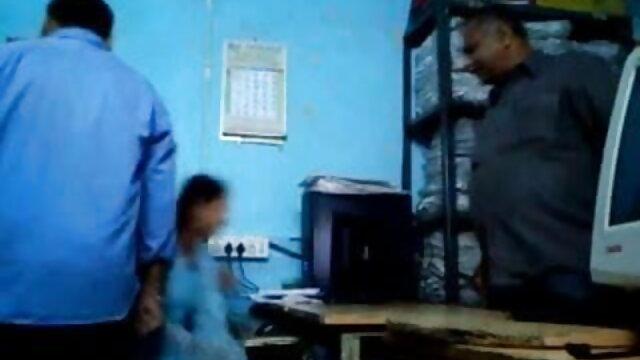 ஆகஸ்ட் அமேஸ் கத்தரிக்கோல் இரு-ஆர்வமுள்ள வகுப்பு தமிழ் ரியல் செக்ஸ் தோழனுடன்