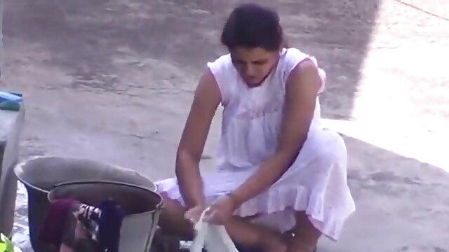 மேடி தனது டீன் புண்டை கடினமானது தமிழ் செக்ஸ்
