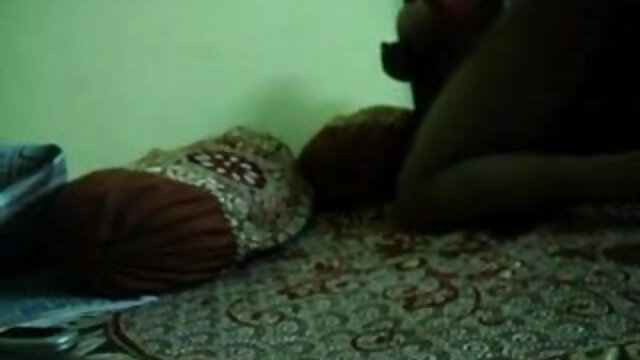 இளம் கவர்ச்சியான தமிழ் நீல படம் முழு hd மார்பளவு கர்ப்பிணி குத டில்டோ